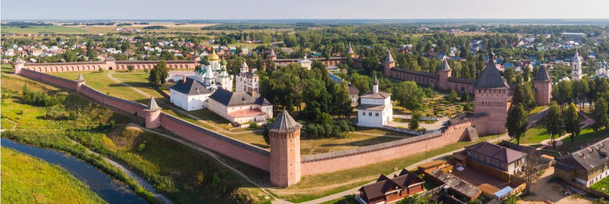 русские гиды в Суздале