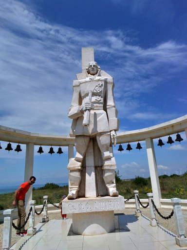 Памятник адмиралу Ф.Ф. Ушакову