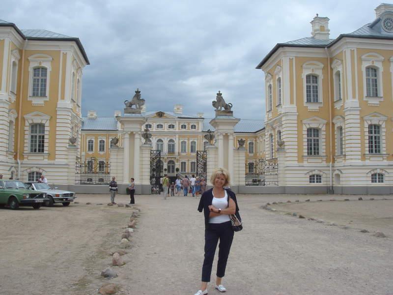 Парадные ворота Рундальского дворца