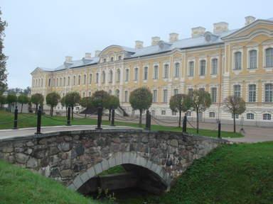 Восточный корпус Рундальского дворца