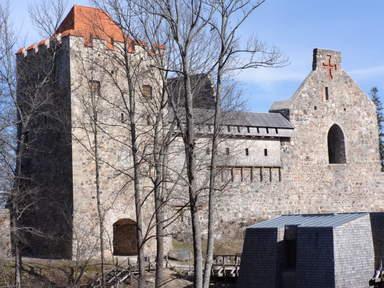 Сигулдский орденский замок