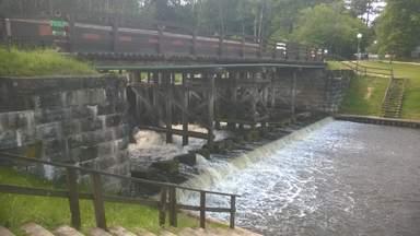 Водопад в Домбровке