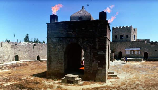 Индийский храм огнепоклонников Атешгях