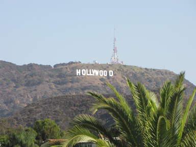 Знаменитая надпись Голливуд