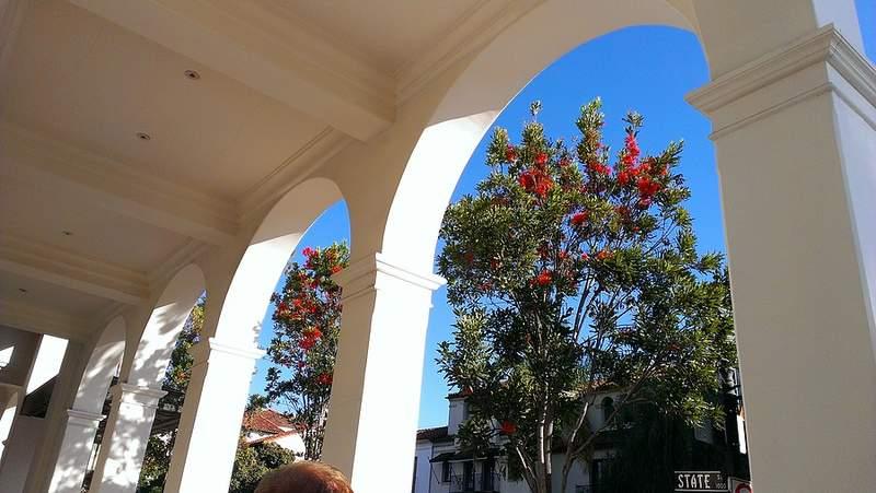 Арки зданий в Санта-Барбаре