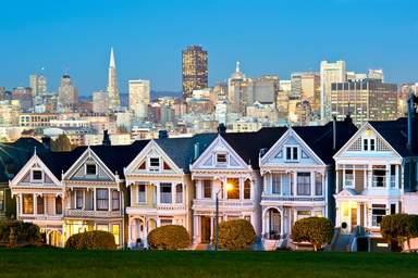 Викторианские дома на улице Штайнер в Сан-Франциско