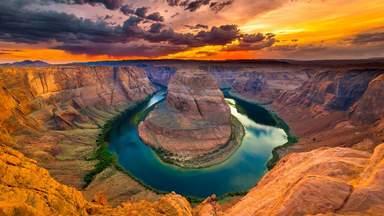 Изгиб реки Колорадо в Гранд Каньоне