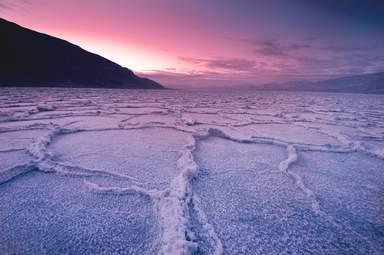 Сюрреалистический пейзаж в Долине Смерти