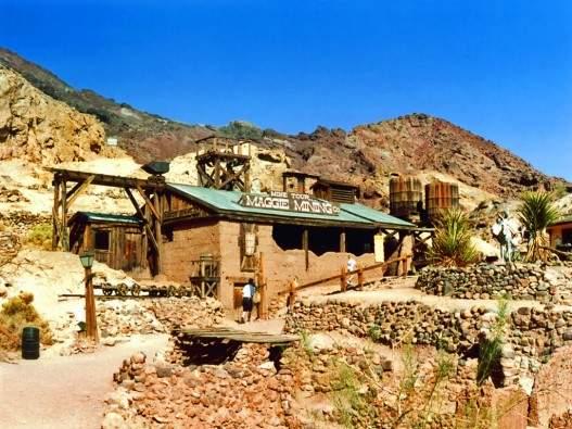 Остатки построек Дикого Запада в Лас-Вегасе