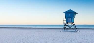 Смотровая будка на пляже