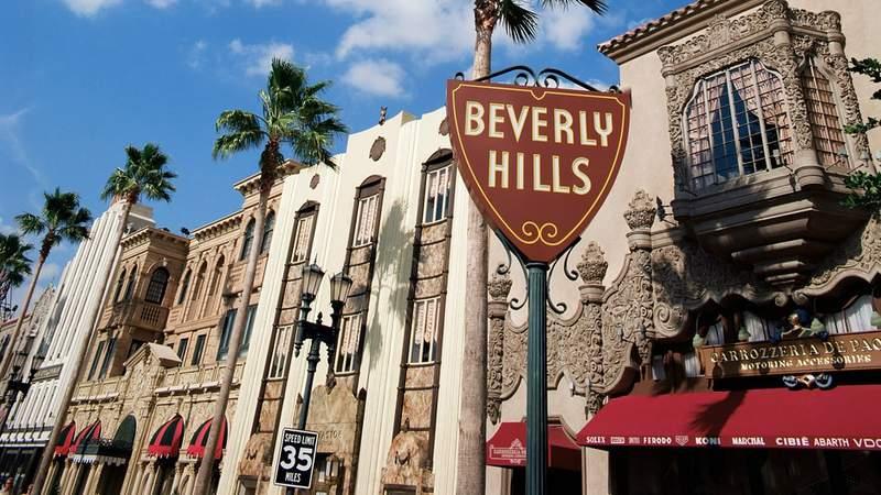 Дорожный указатель Беверли Хиллз в Лос-Анджелесе
