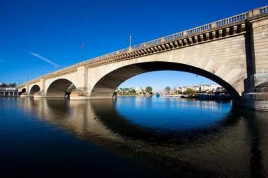 Лондонский мост в Лейк-Хавасу-Сити