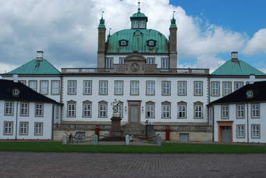 Дворец Фреденсборг