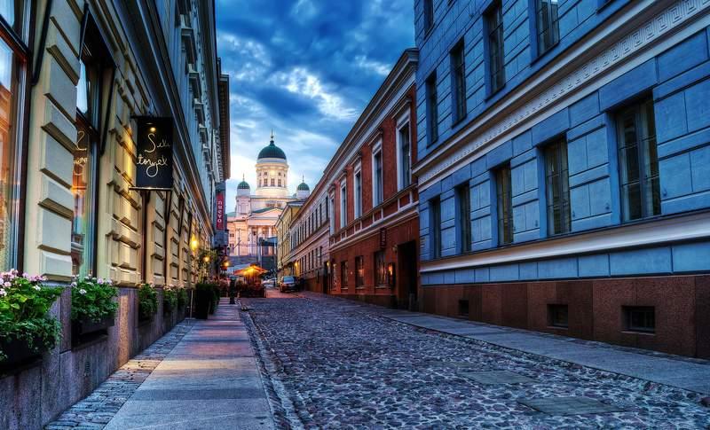 Улица Хельсинки