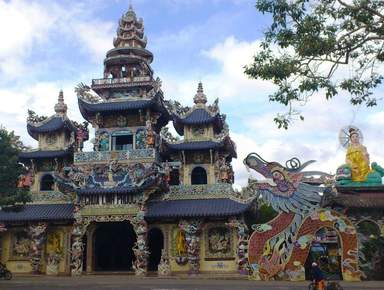 Храм Linh Phuoc
