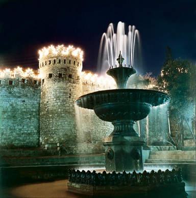 Достопримечательности Баку ночью