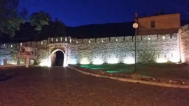 Шекинская крепость в подсветке