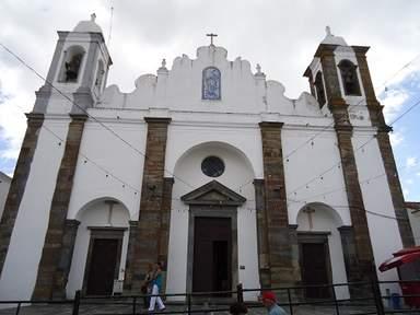 Красивая церковь в Монсараше