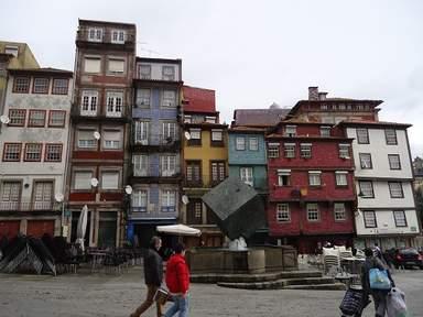 Площадь Рибейра в Порту