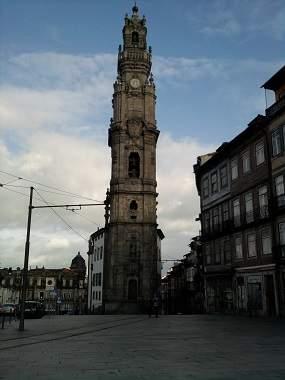 Башня Клирегуш в Порту
