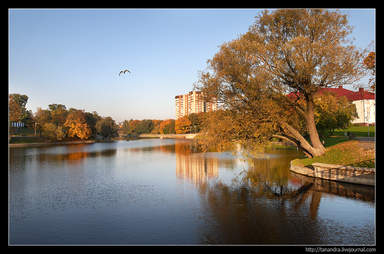 Нижнее озеро осенью