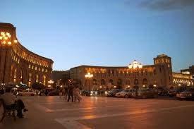Площадь Республики ночью
