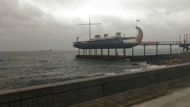 Ресторан - корабль на набережной Ялты