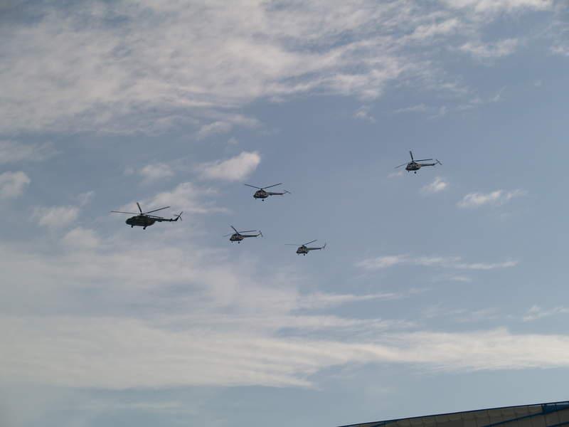 Вертолёты в небе
