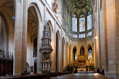 Интерьер в соборе Святого Вита