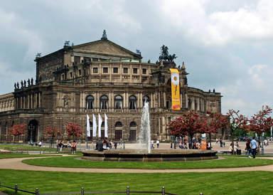 Опера Земпера в Дрездене