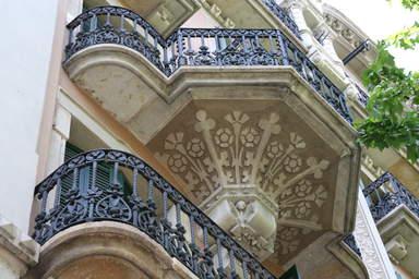 Балконы в стиле модерн