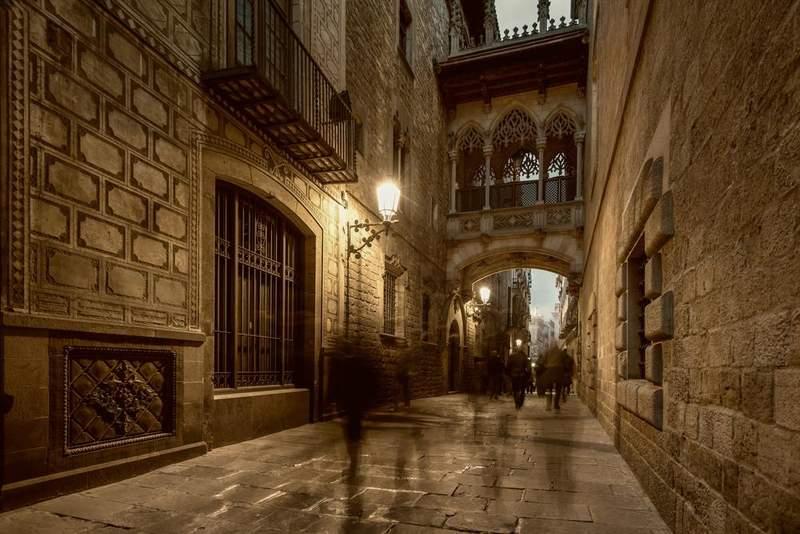 Готический квартал Старой Барселоны