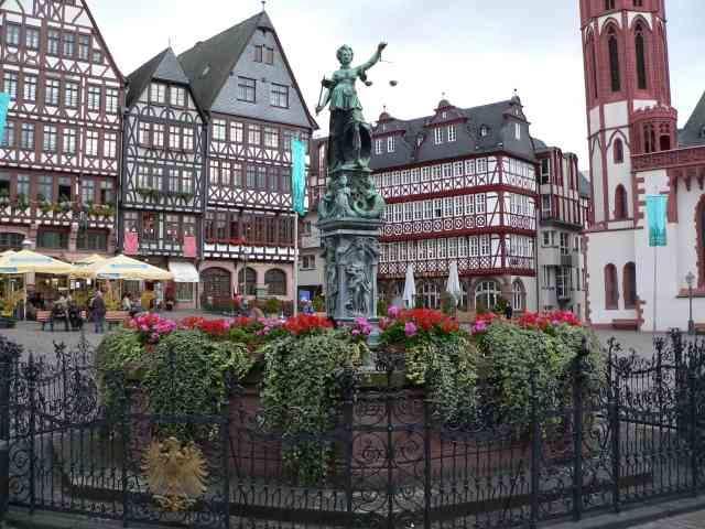 Старый город во Франкфурте