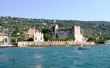 Замок Сирмионе и озеро Гарда
