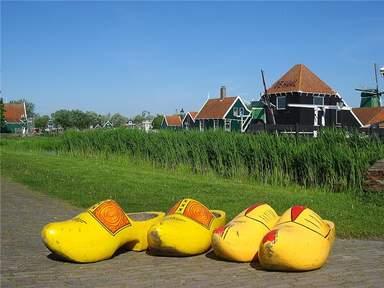 Голландская туристическая деревня Заансе Сханс