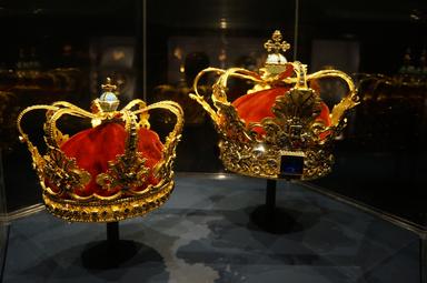 Розенборг. Короны датских монархов
