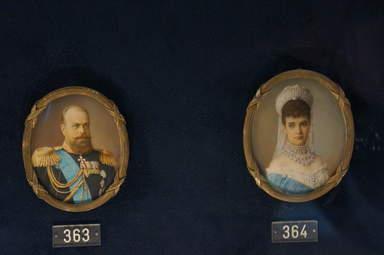 Миниатюры с изображениями Александра 3 и Марии Федоровны