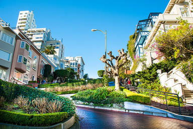 Самая извилистая улица мира Ломбард Стрит в Сан-Франциско