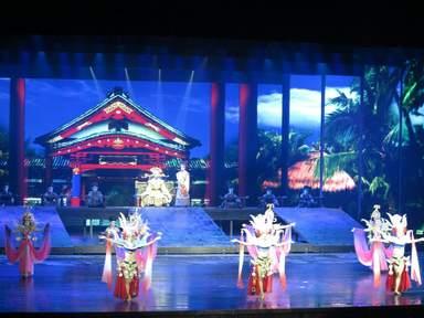 Театральное представление в Санье
