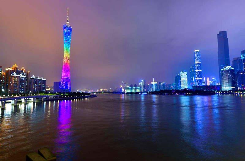 Телебашня Гуанчжоу ночью