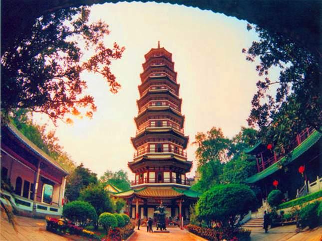 Храм Шести Деревьев Баньян