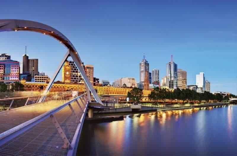 Вид на Мельбурн с моста