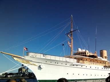 Королевская яхта Даннеброг