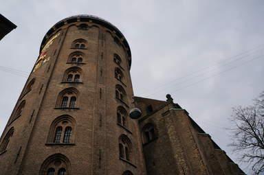 Знаменитая Круглая башня в Копенгагене