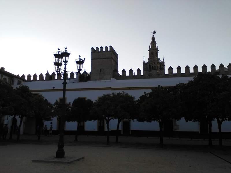 Patio de Banderas, Alcazares Reales, Giralda