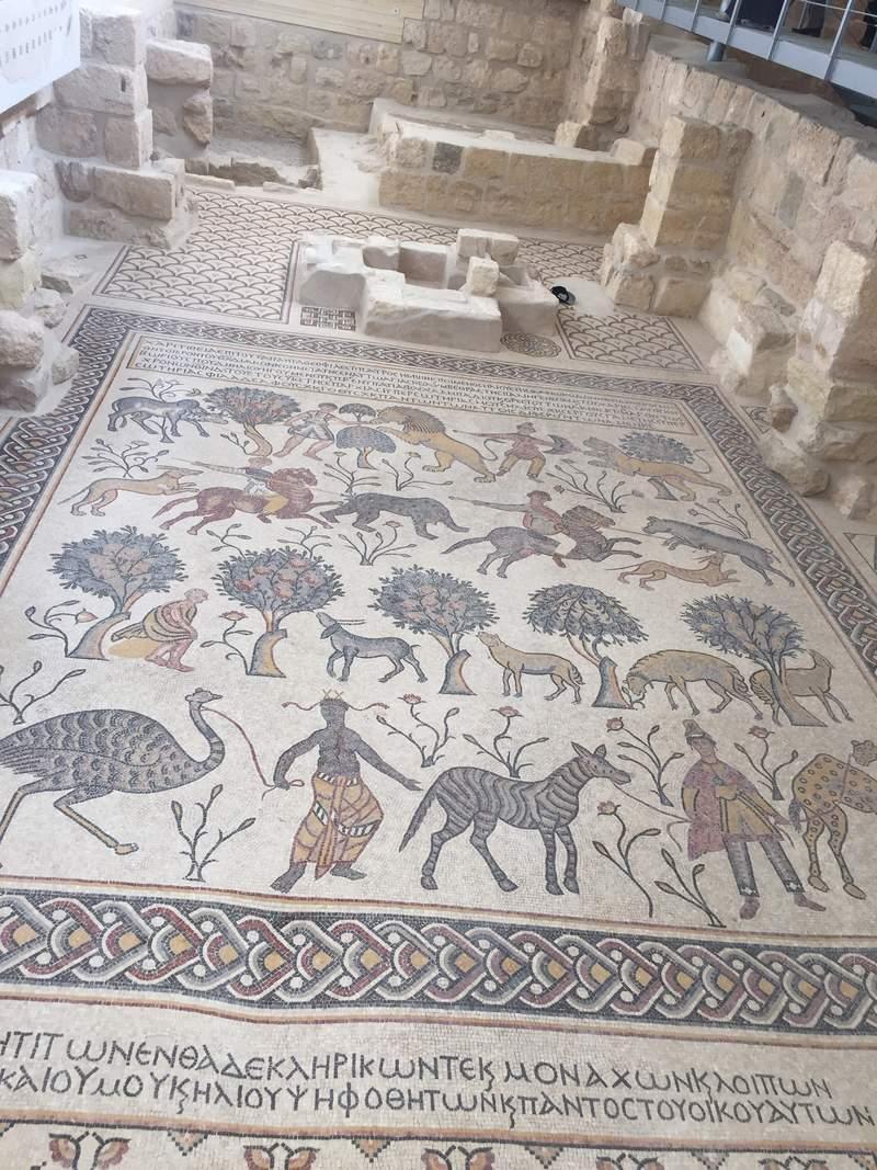 Мозаика в храме на горе Небо