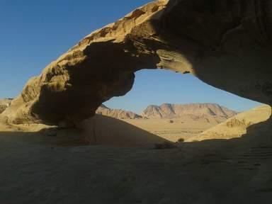 Природные мосты в пустыне Вади Рам