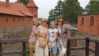 Я с туристами в замке