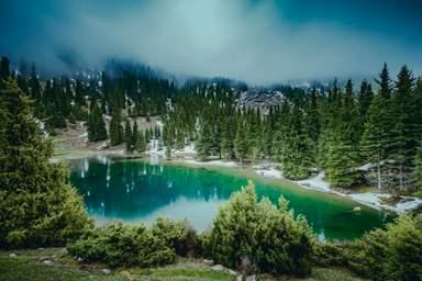 """Горное озеро """"Святое"""" в Семёновском ущелье"""