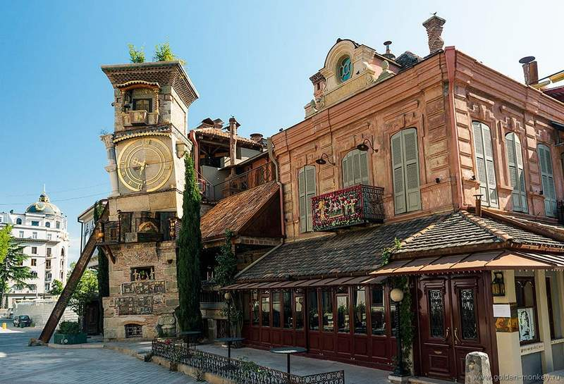 Башня с часами в Тбилиси